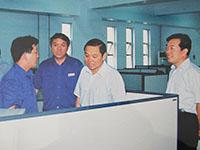 省委常委、常务副省长李克在公司技术中心视察工作
